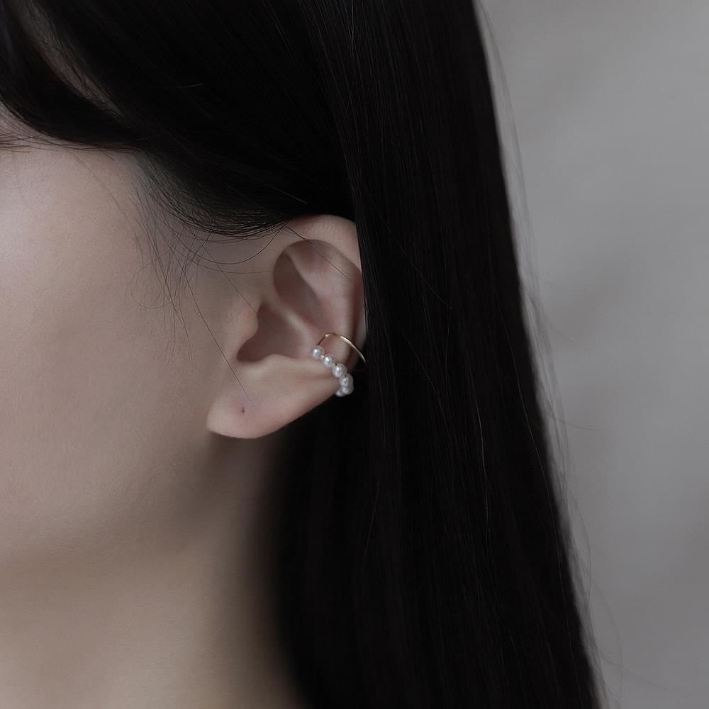 23 Pearl Unbal Line Ear Cuff