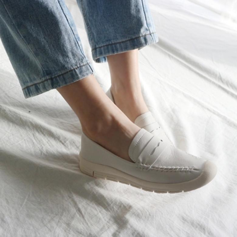 Jamming Jude Cowhide Latex Loafers