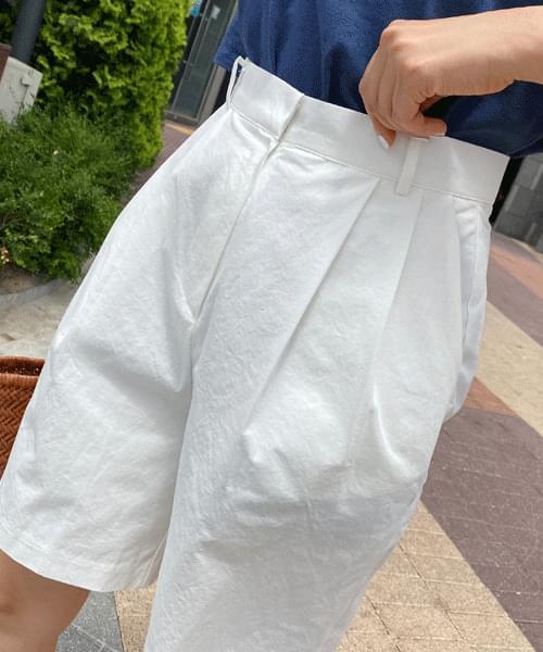 Danish Pintuck Part 5 Bermuda Pants