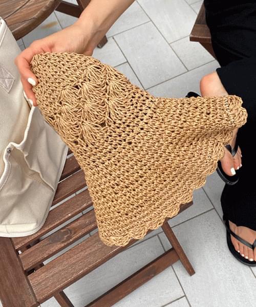 Seashell wire straw hat
