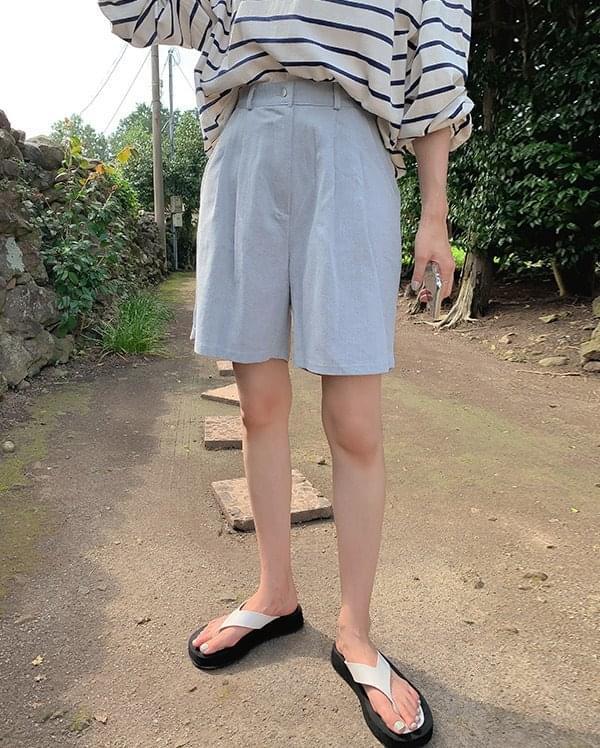 Sunny double pintuck half pants