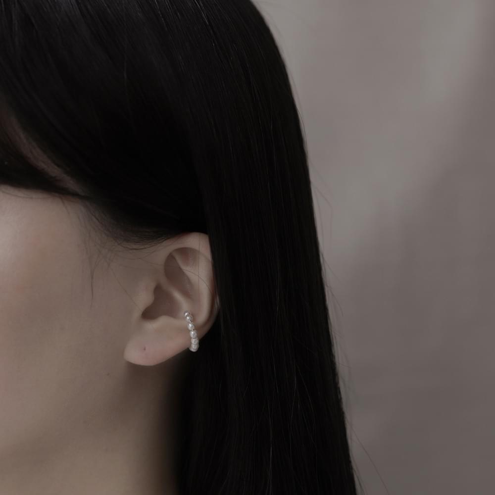 Pearl ring earcuffs
