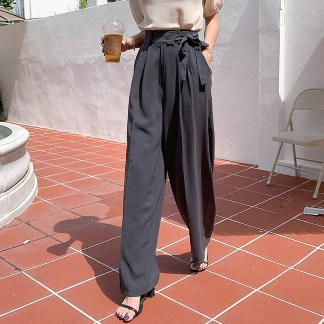 Artistic fit wide strap slacks pants