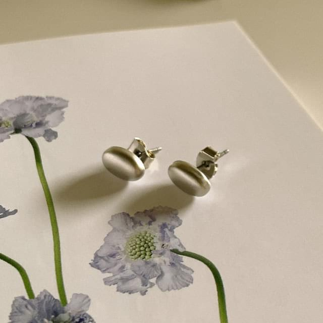 Daily oval ball earrings 耳環