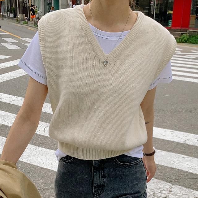 V-Neck Loose Fit Semi Crop Knit Vest 針織外套