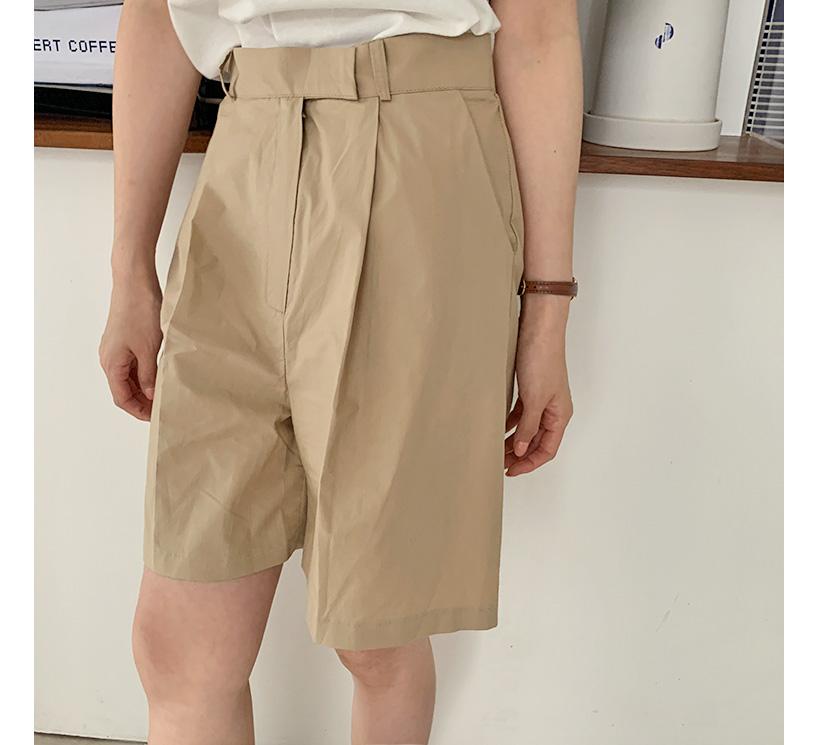 Roy pintuck cotton half pants
