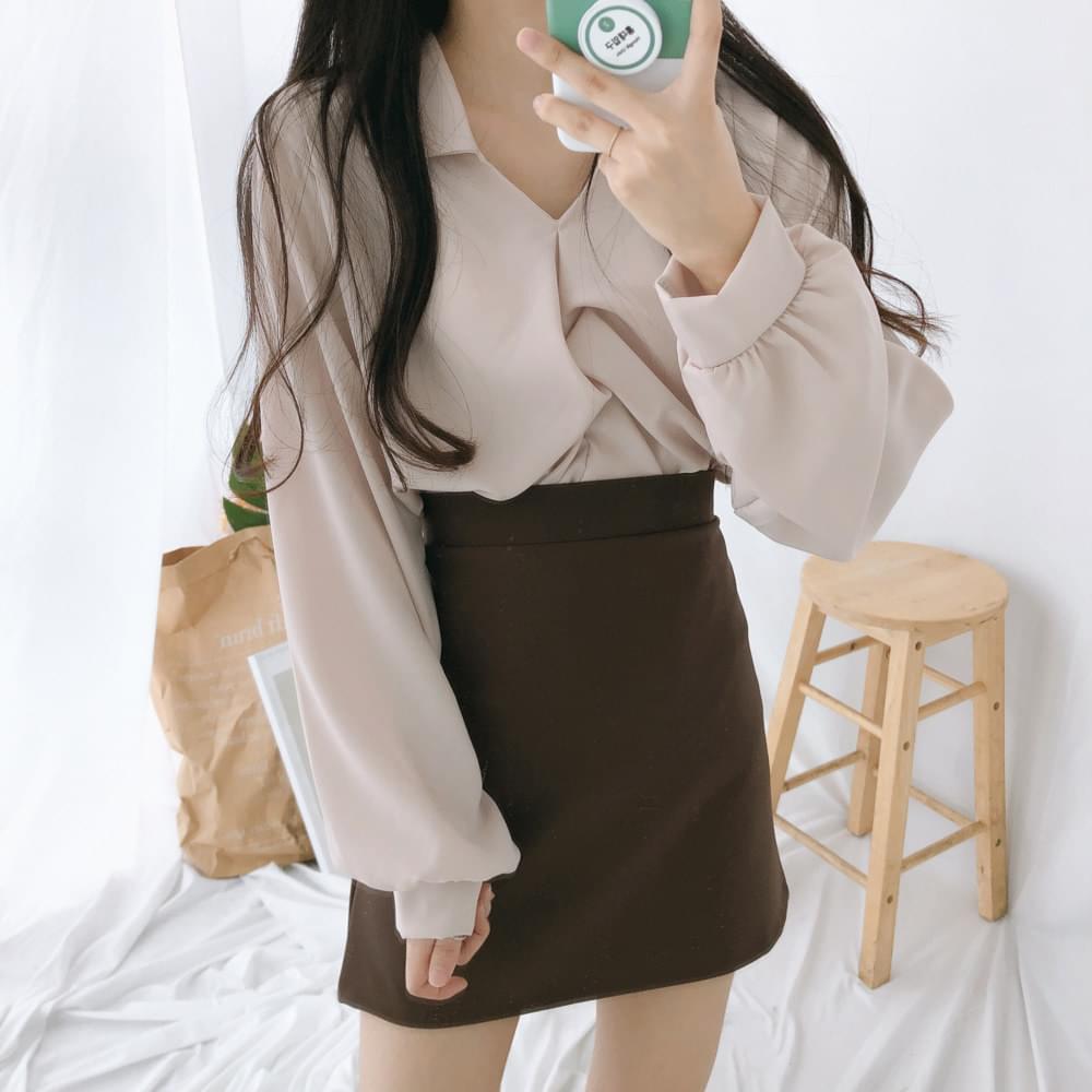 Twisted collar shirt blouse 襯衫