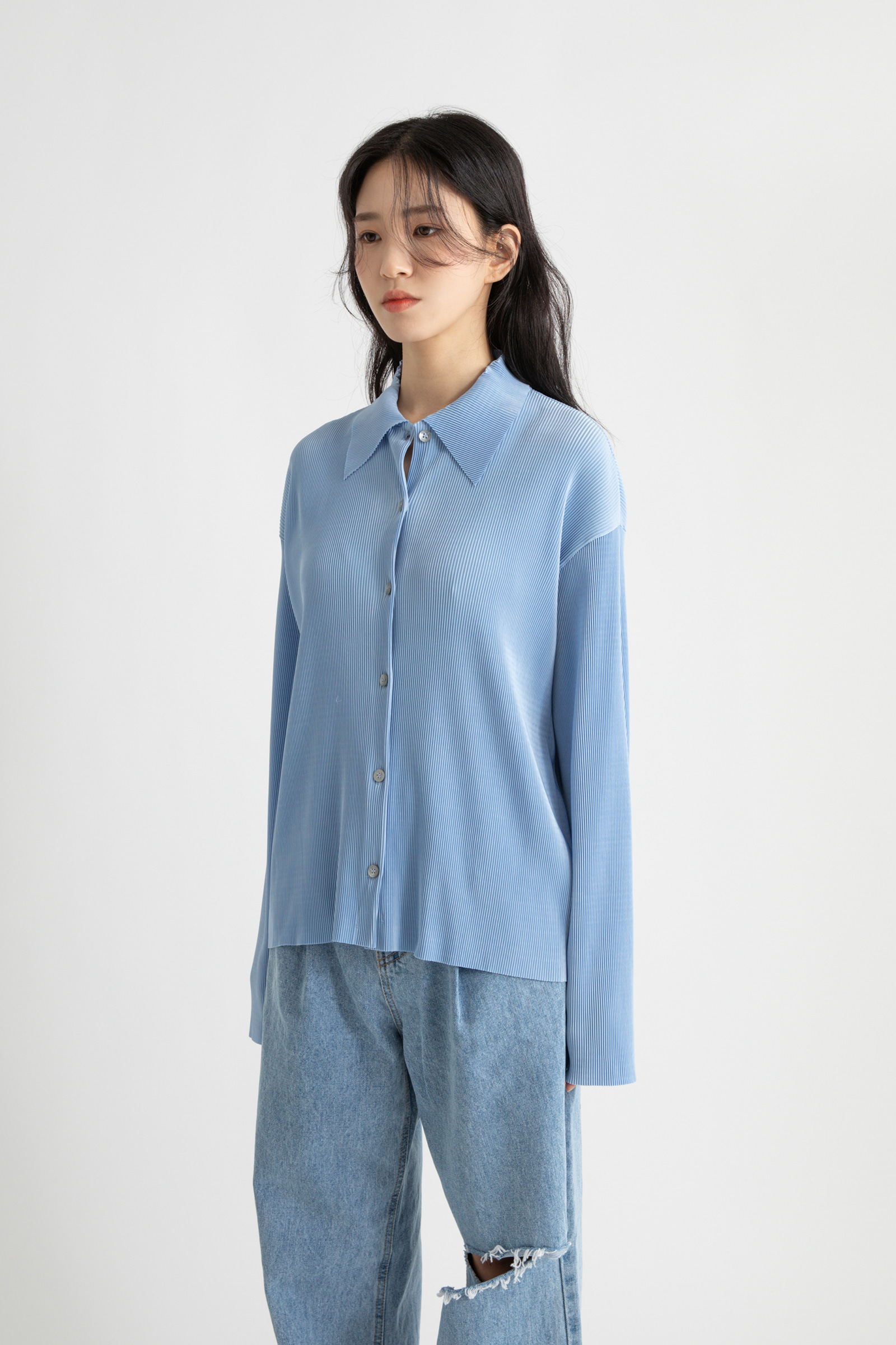 Swing pleated blouse