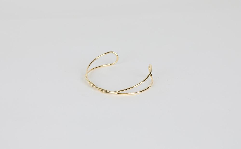 Thin twist bracelet
