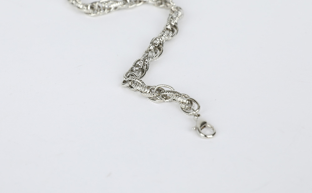 Amour chain necklace
