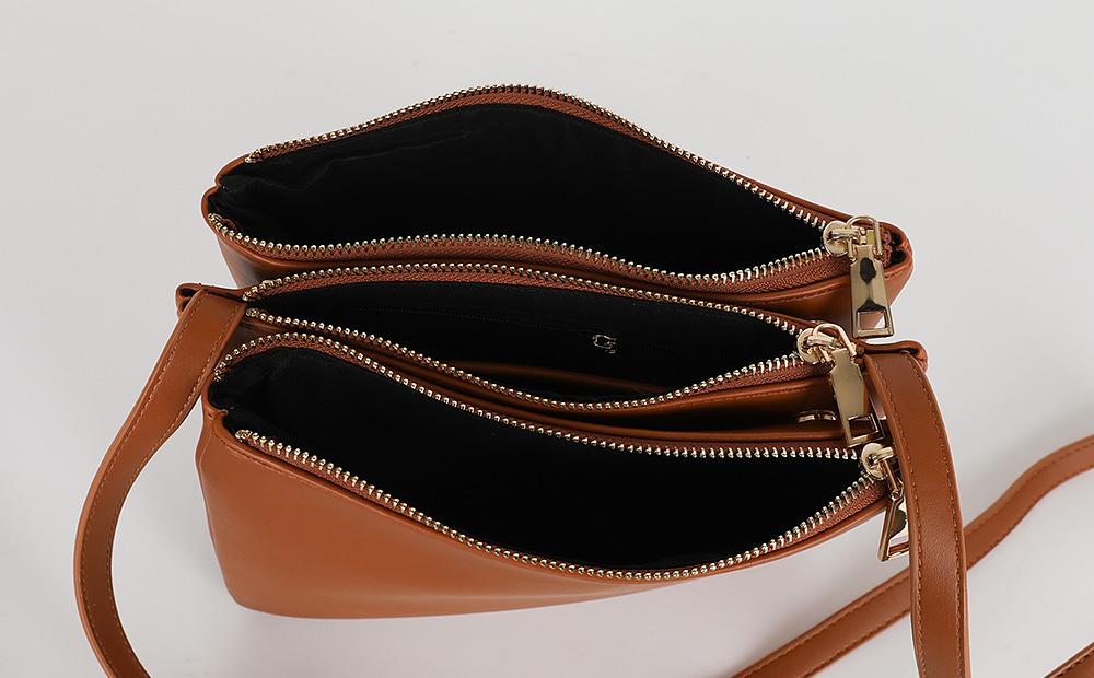 Three clutch cross shoulder bag