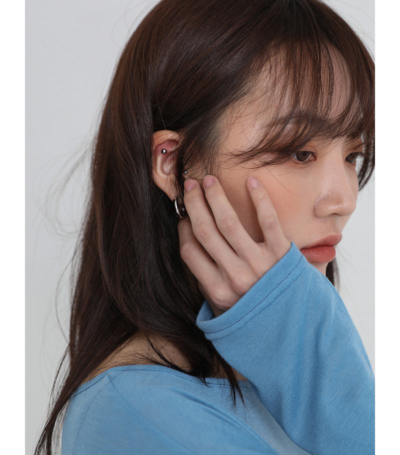 Basic and twist set earrings