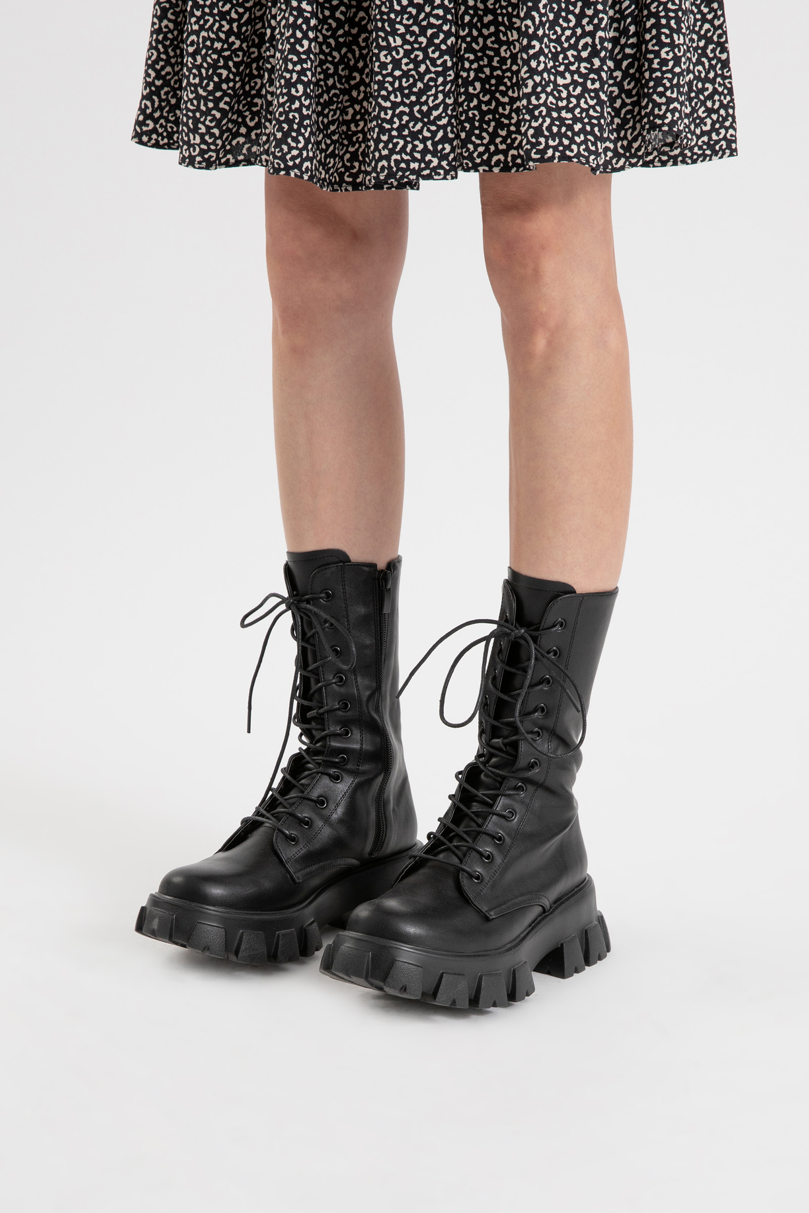 Bike lace-up walker boots