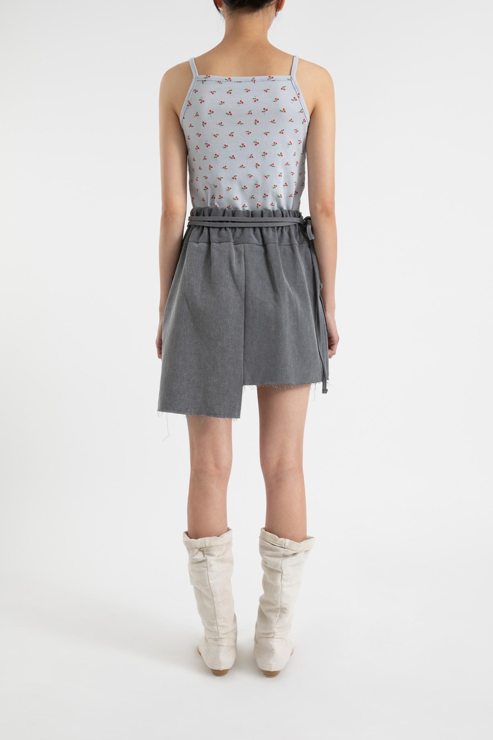 Undress pocket strap mini skirt