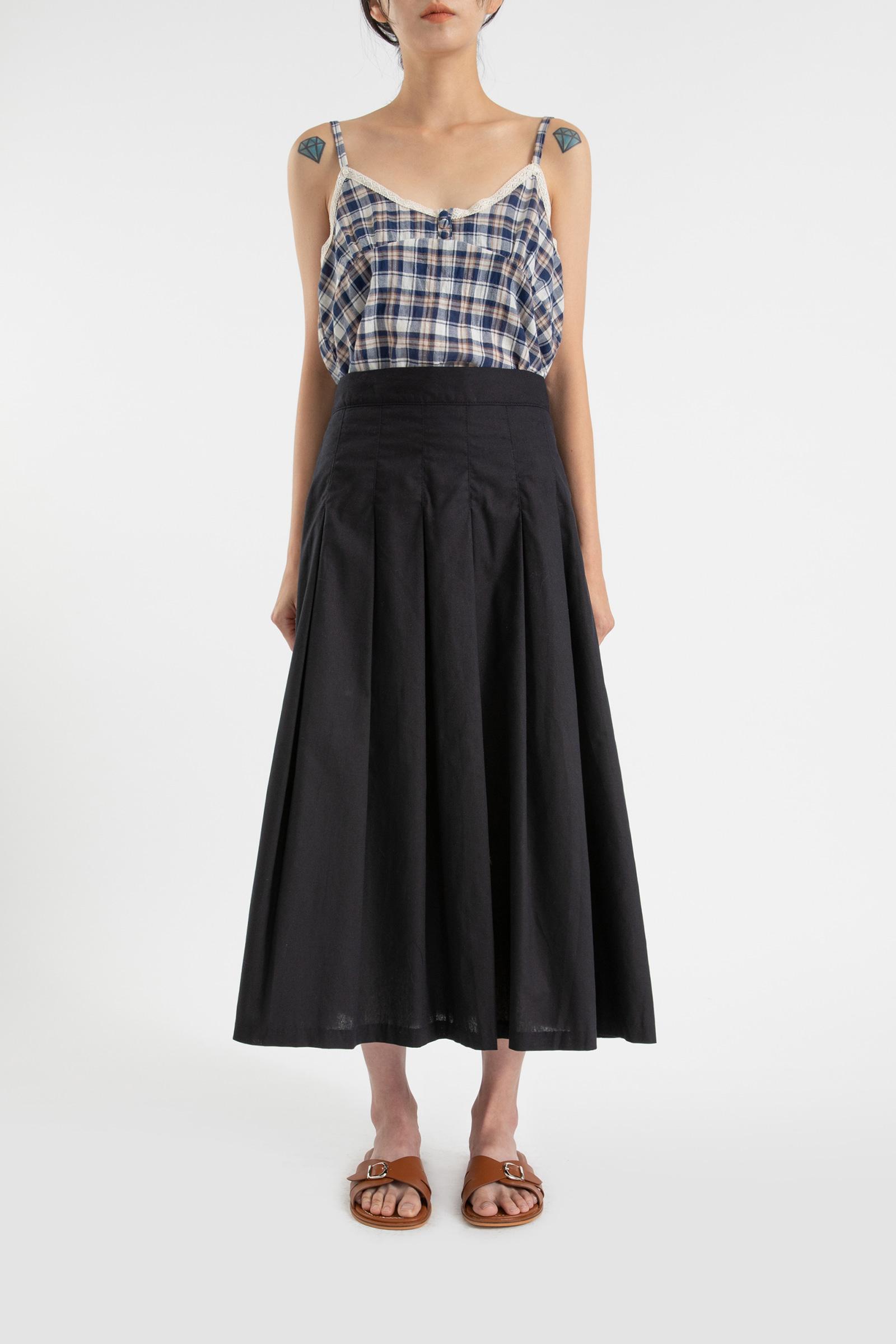 Leaf pleated maxi skirt