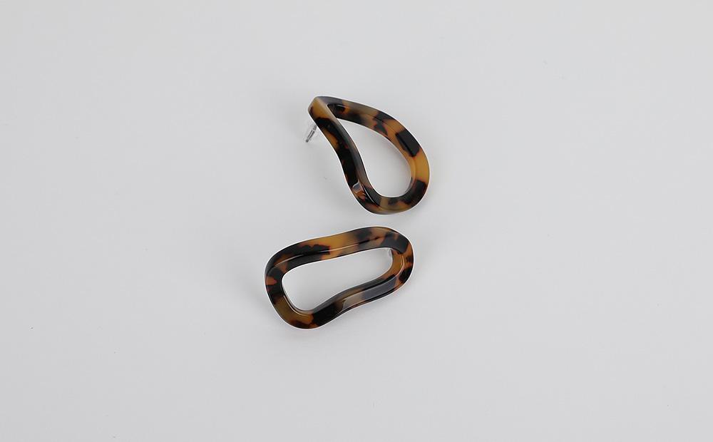 Leopard oval earrings