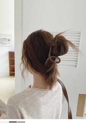 Matte matte twist hair clippin