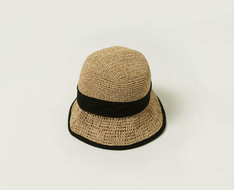 Natural raffia bucket hat