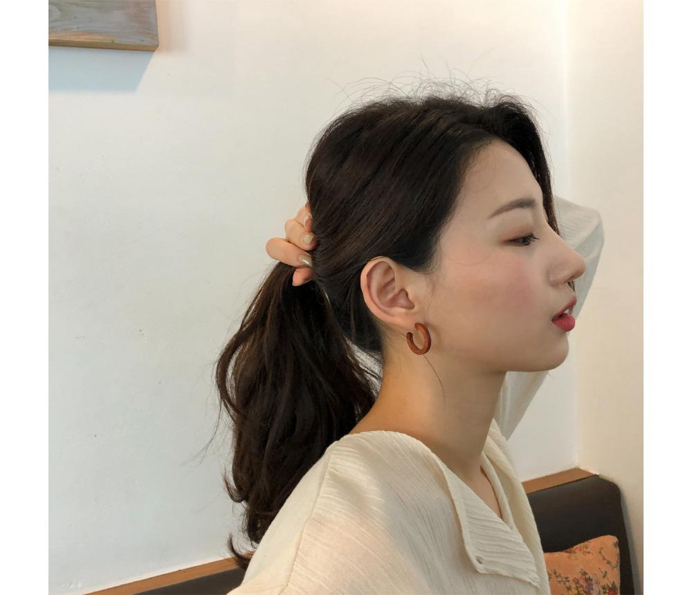 natural slim wood earring
