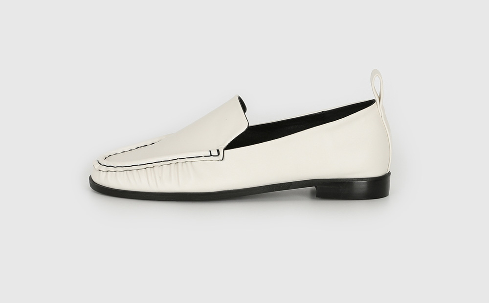 Stitched wrinkle loafers