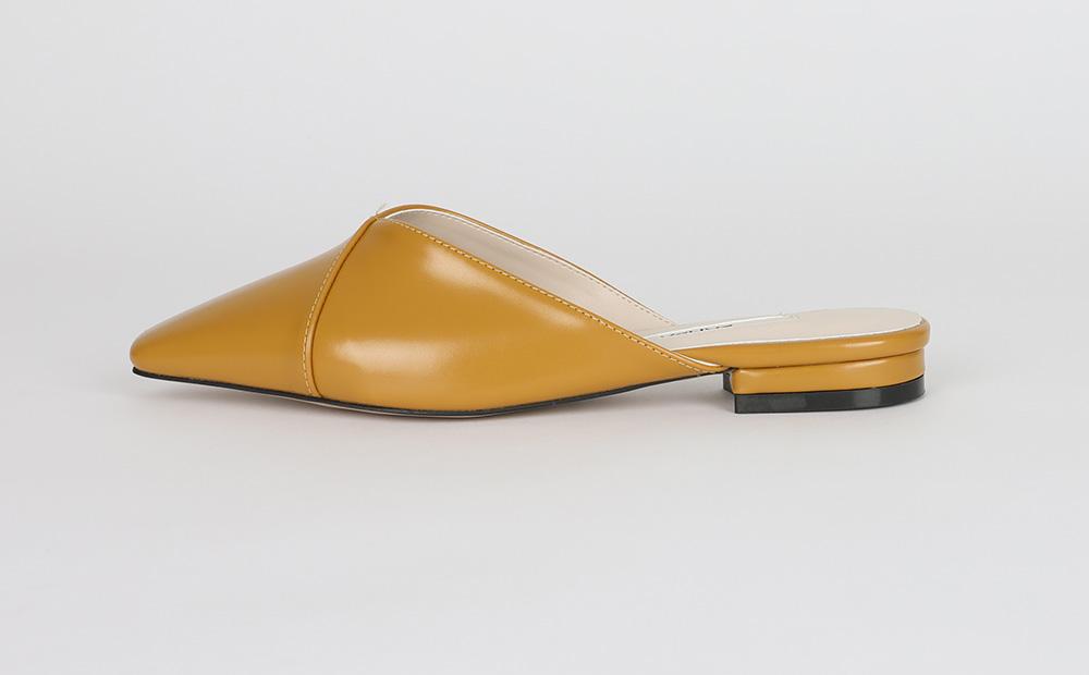 Modern simple leather mule