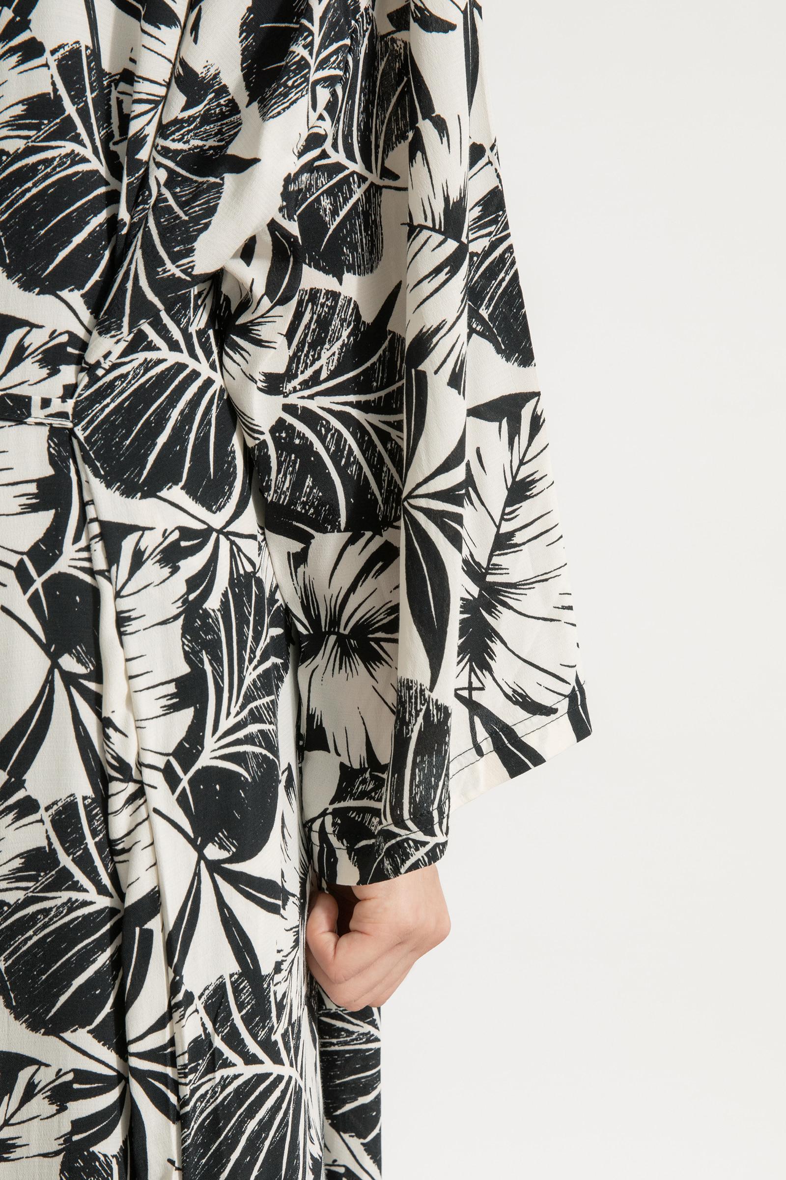 Summer pattern over long robe