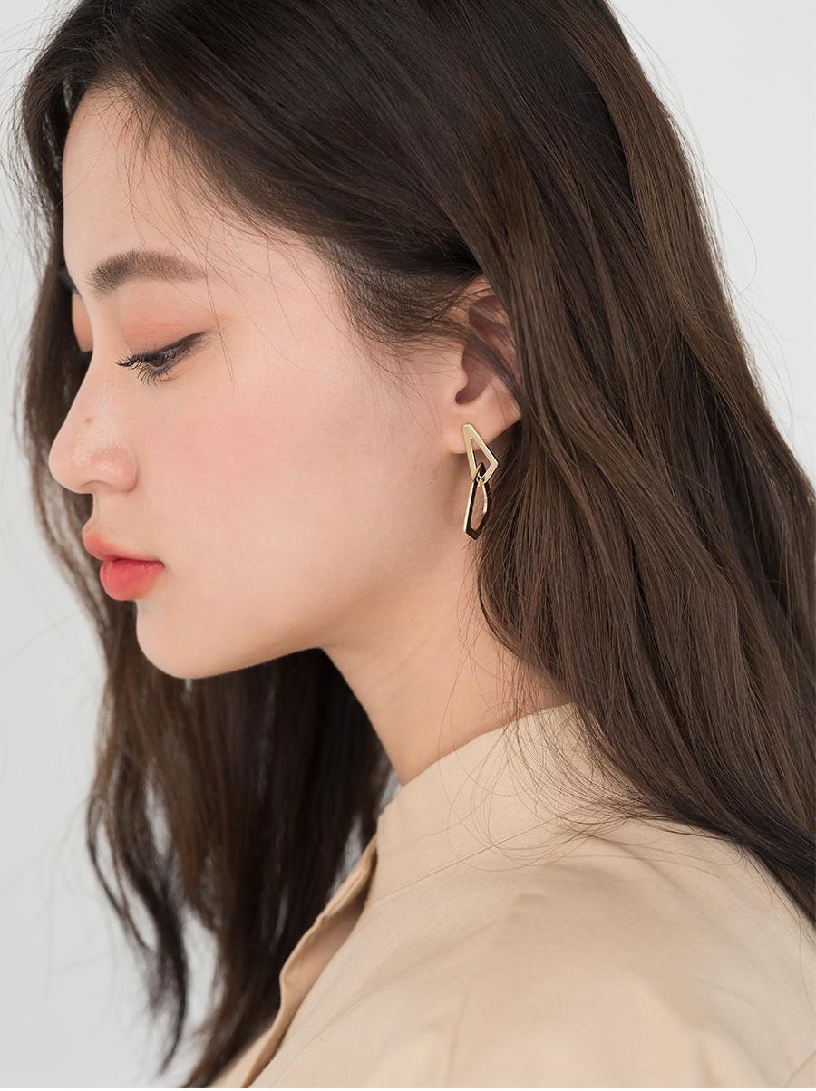 figure mix unique earring
