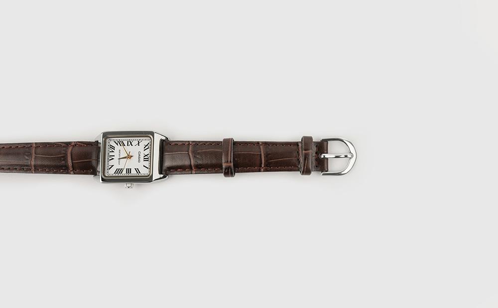 Minimalist brown leather watch