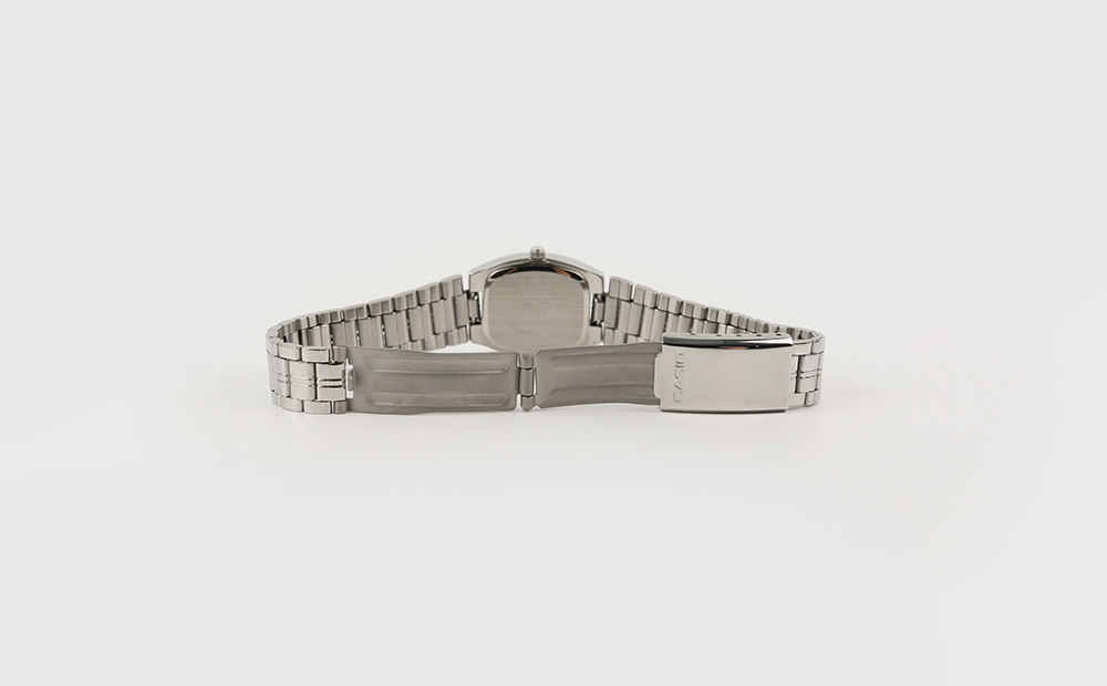 Classic square metal watch