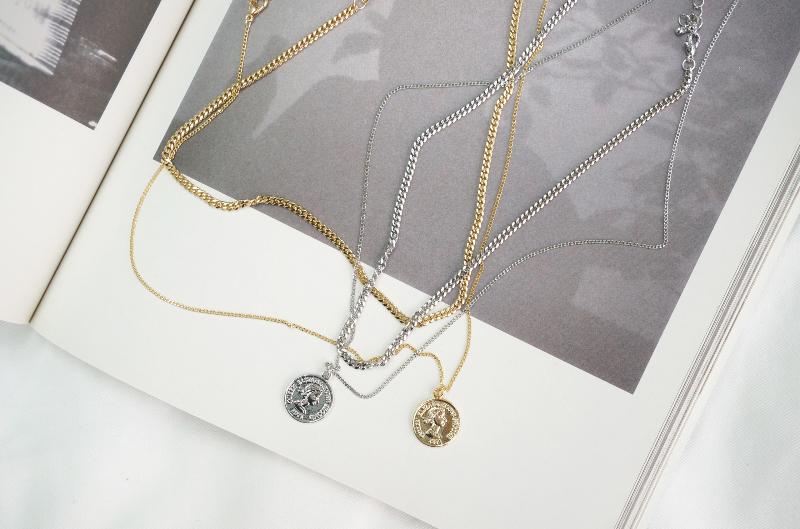 Dongle Pendant Layered Necklace