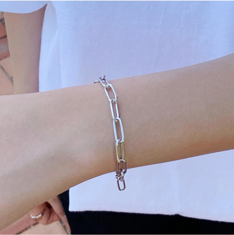 Clip daily bracelet