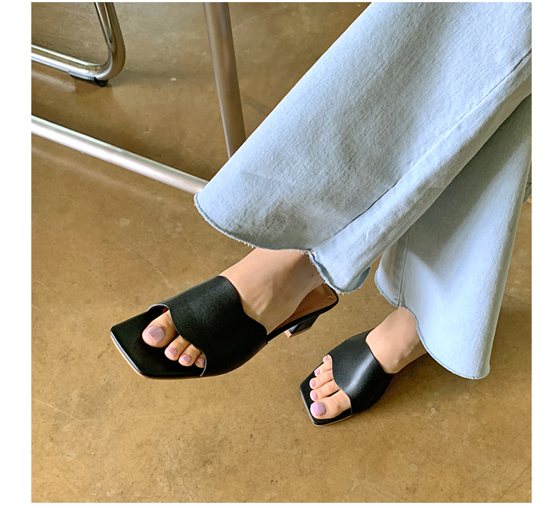 Wave Square Middle Heel Slipper