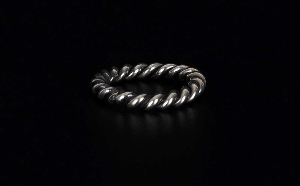 Hash twisted silver ring