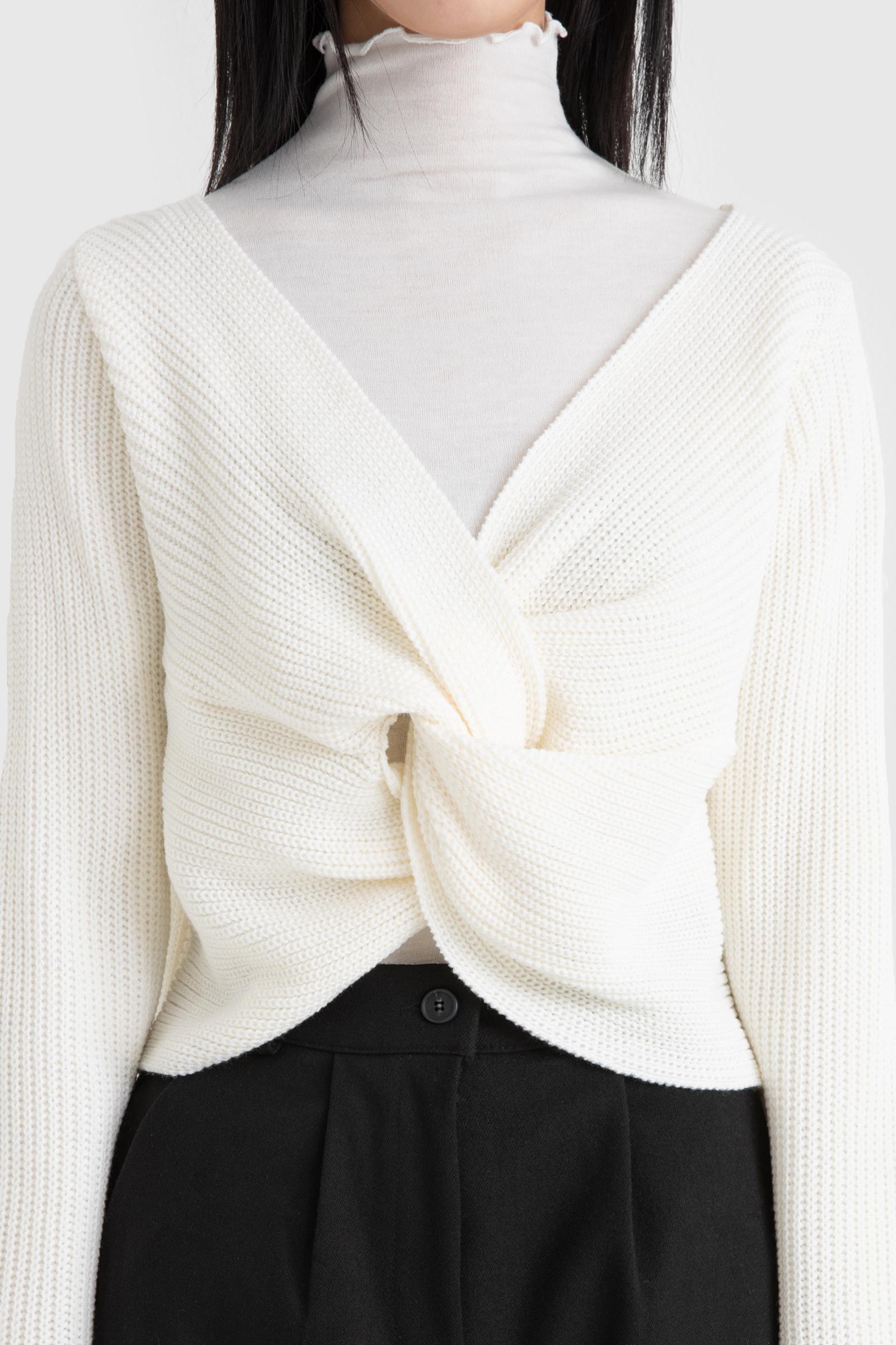 Carol Twist V-Neck Knit