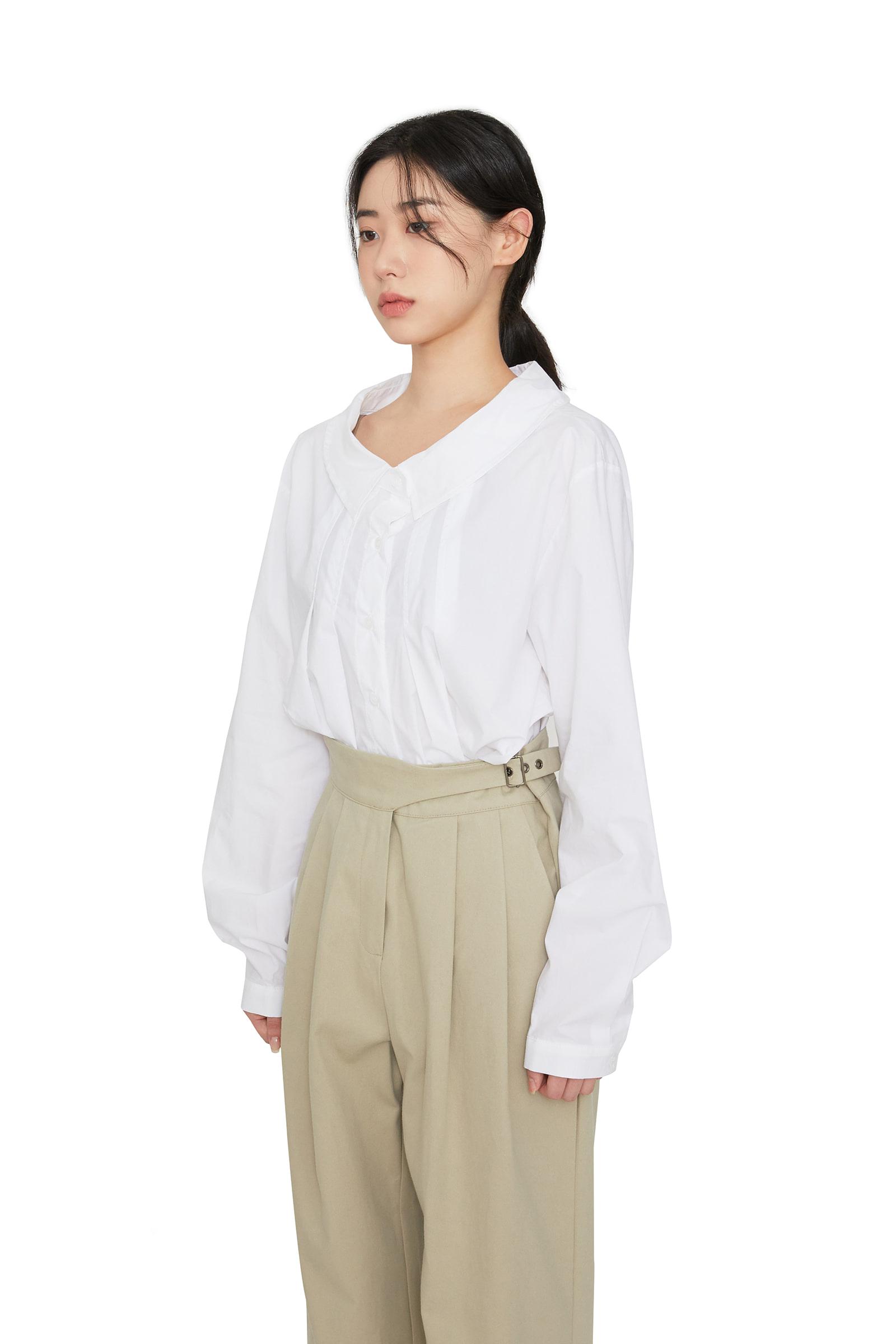 BB pintuck collar-neck blouse