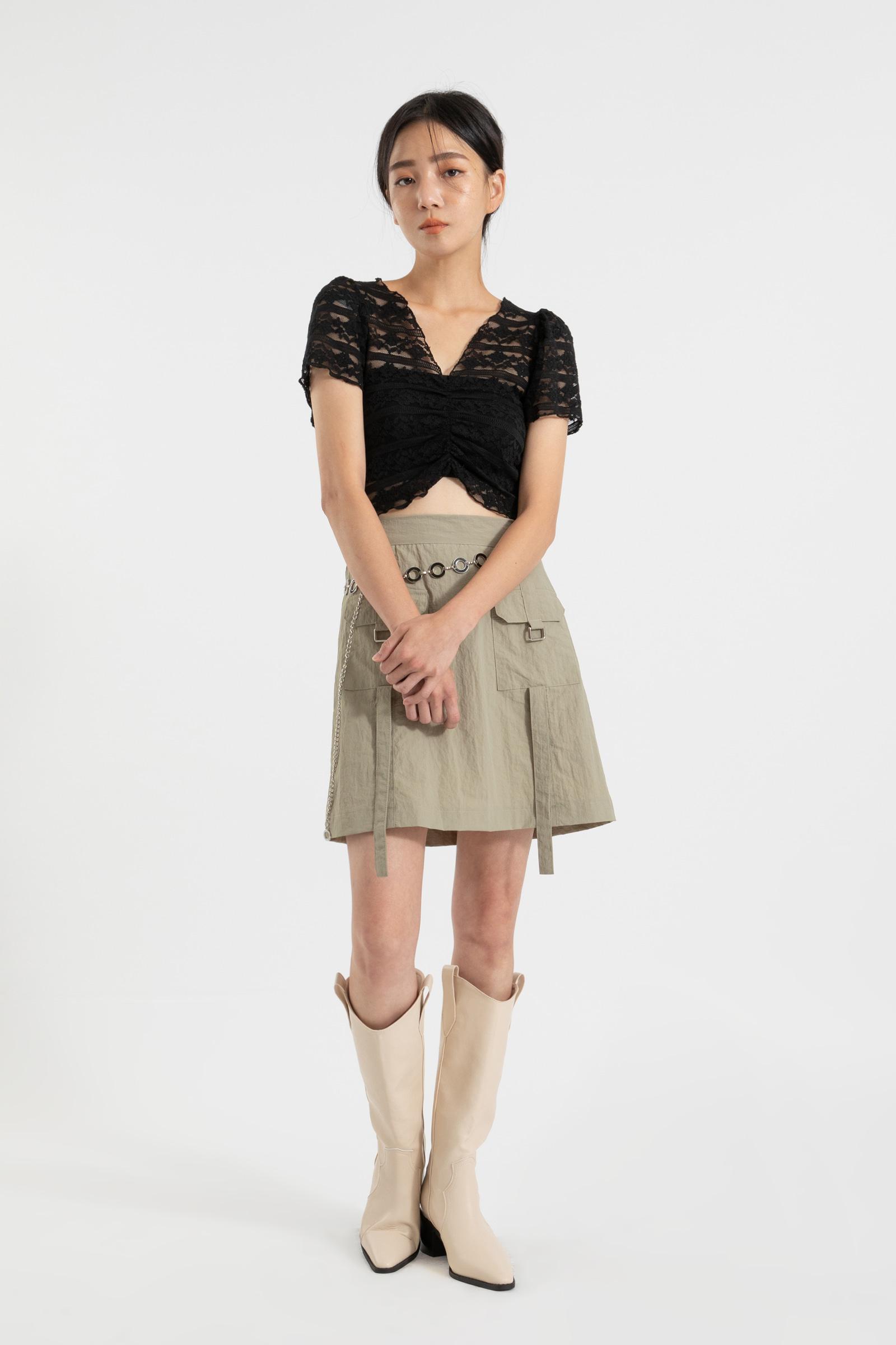 Two pocket buckle mini skirt