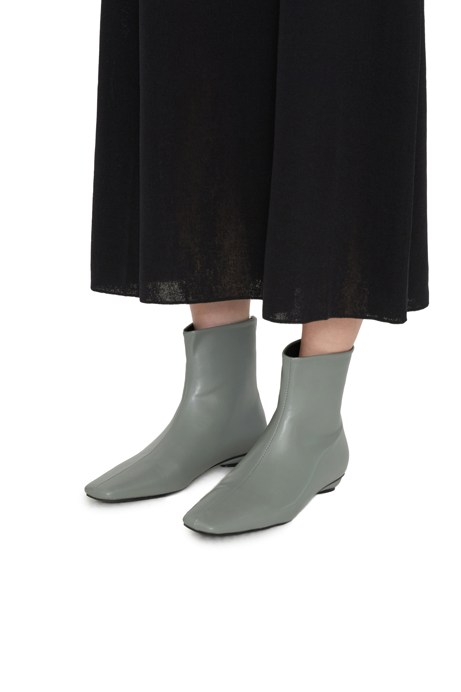 Scott Simple Ankle Boots