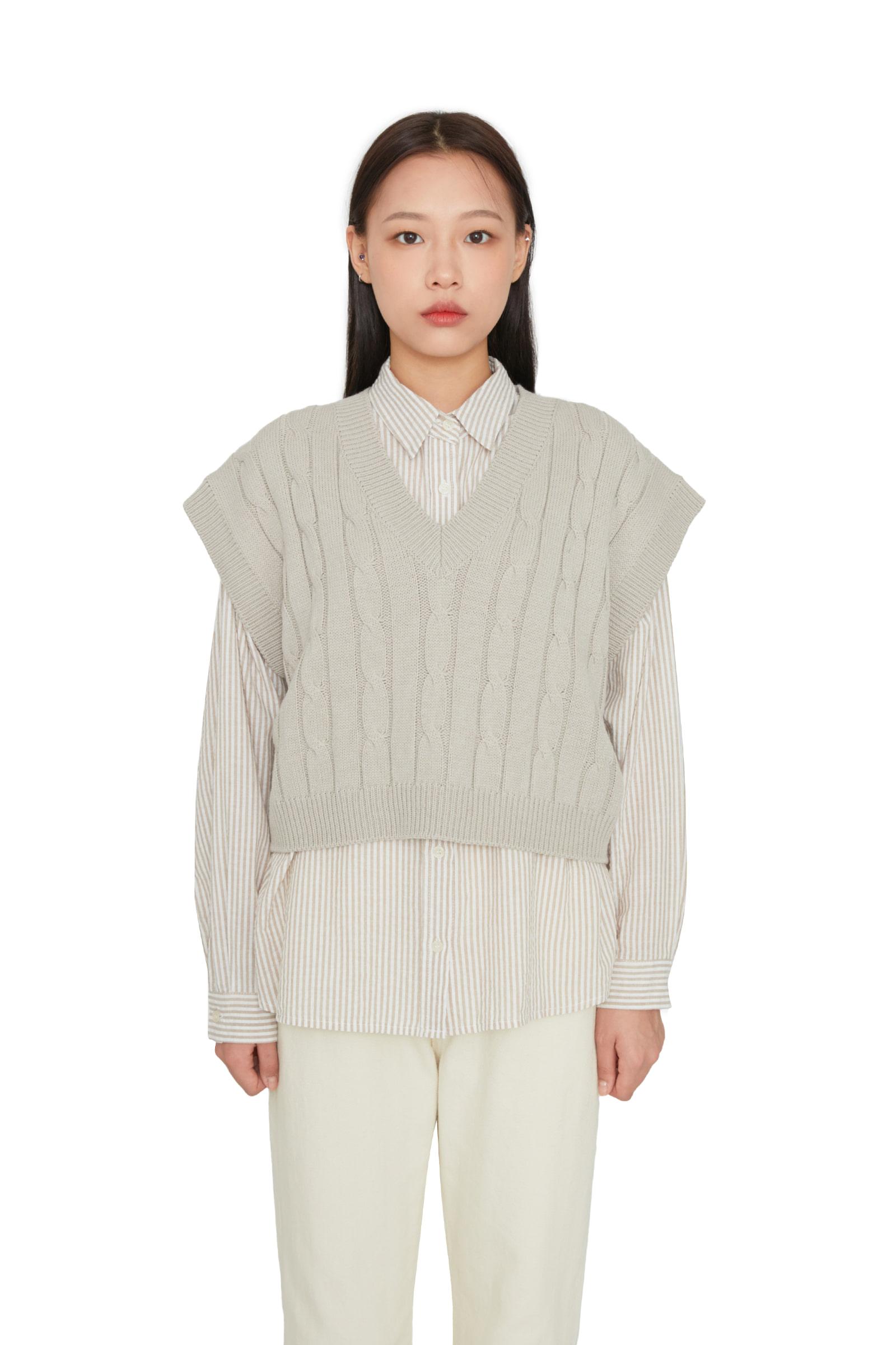 Twisted V-neck cropped knit vest
