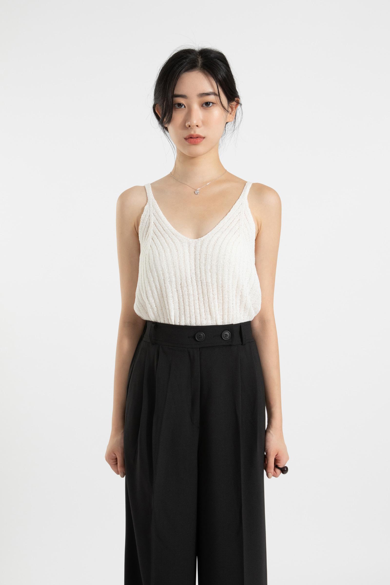Plum V-neck sleeveless knit