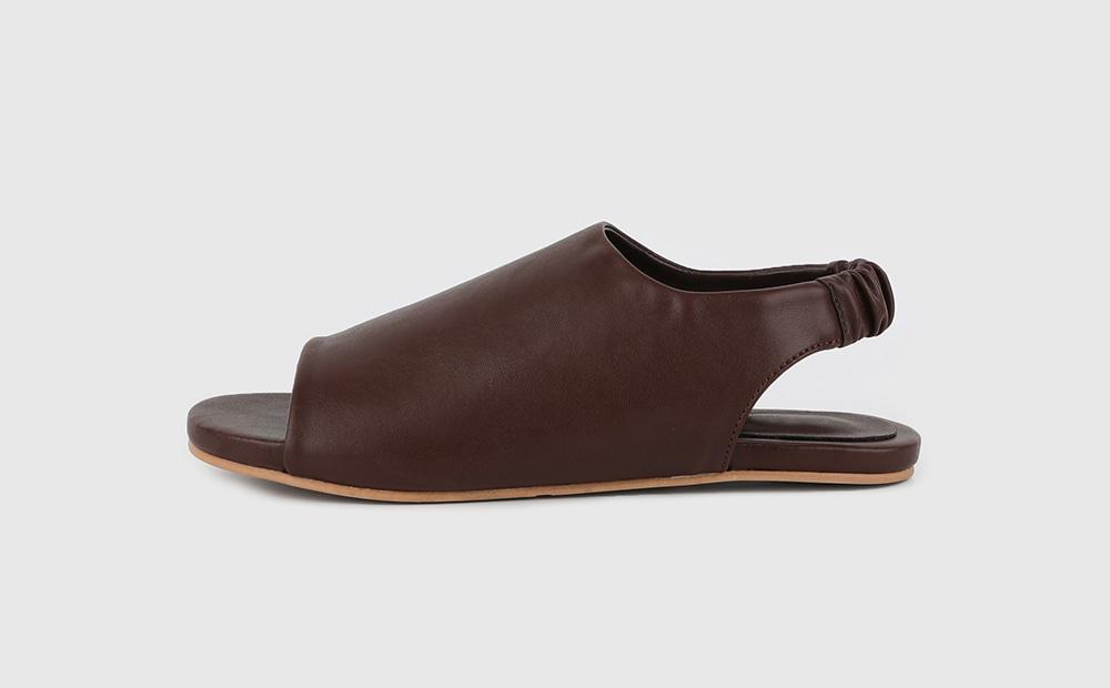 Wet cover banding flat sandals