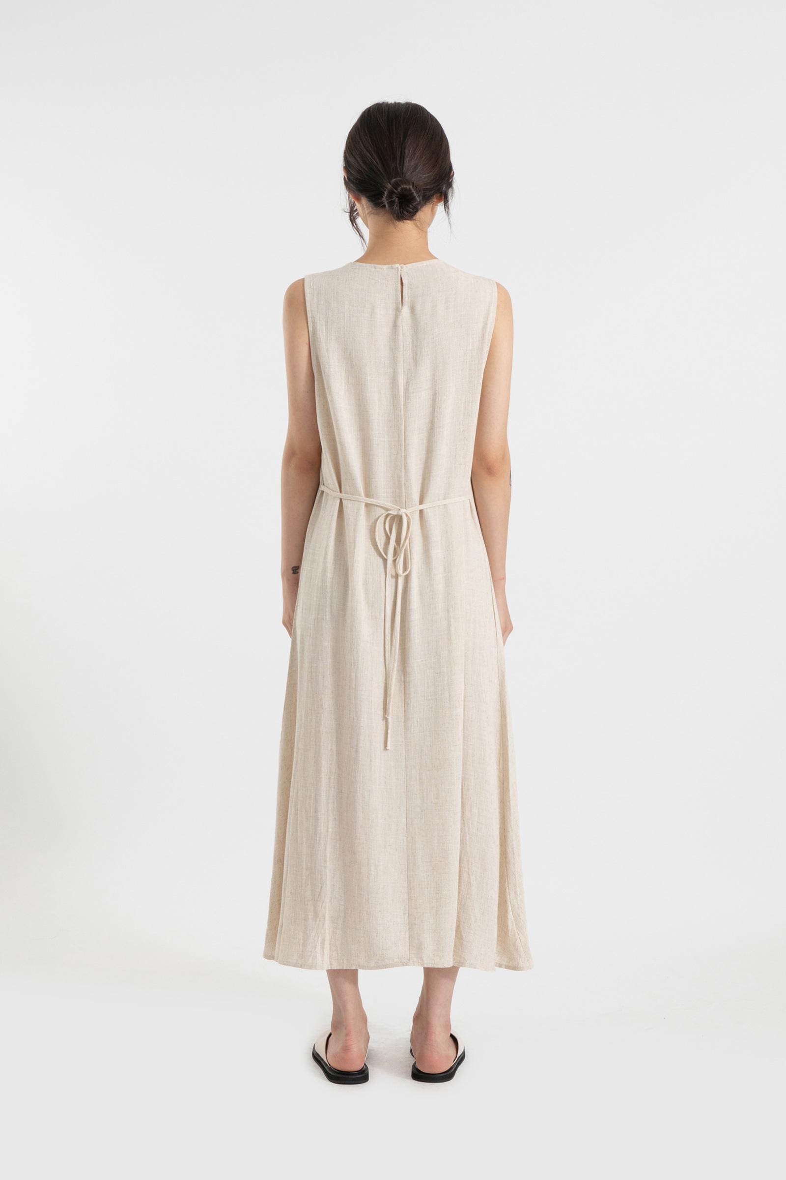 Must linen strap maxi dress