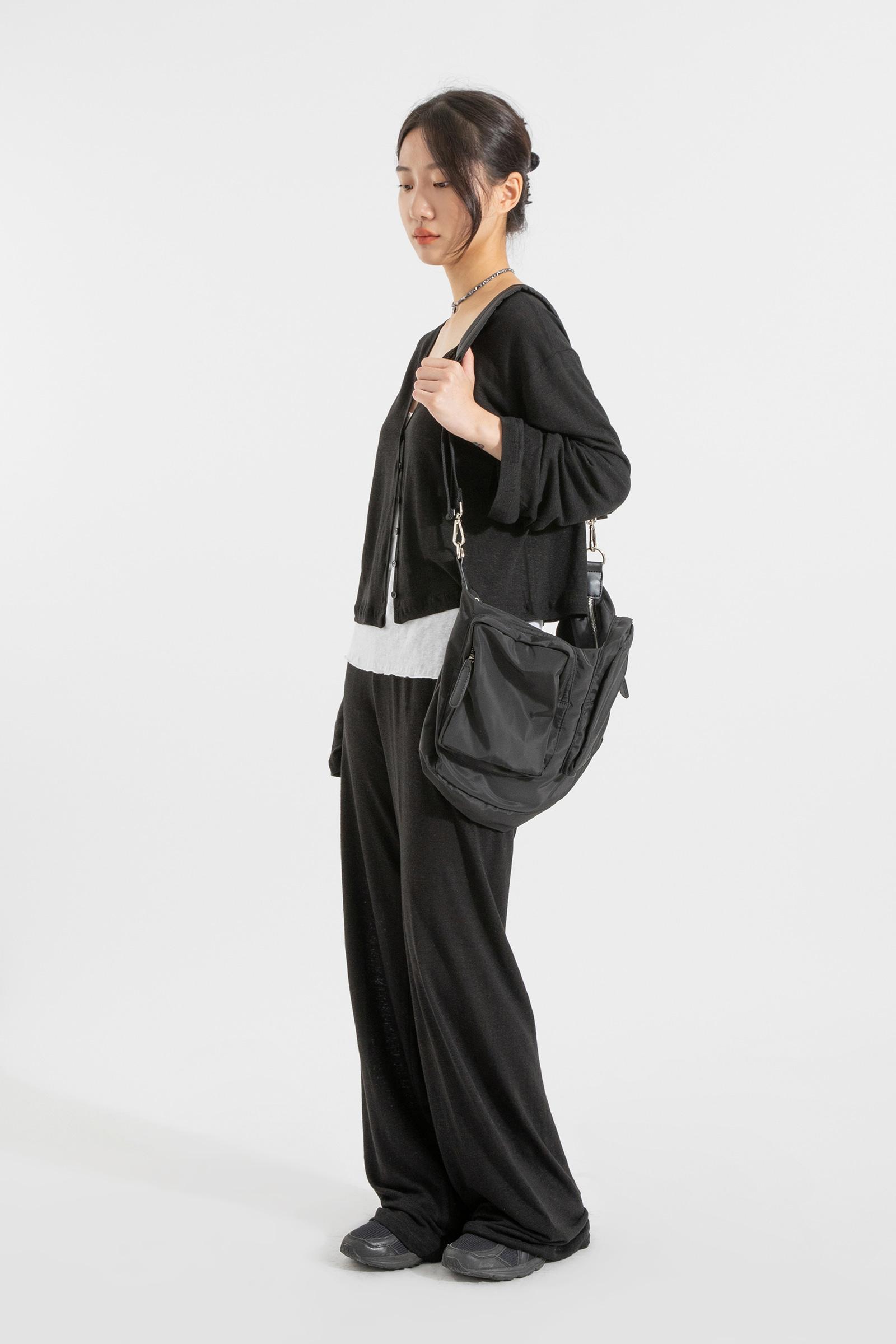 Ready-to-pocket shoulder bag