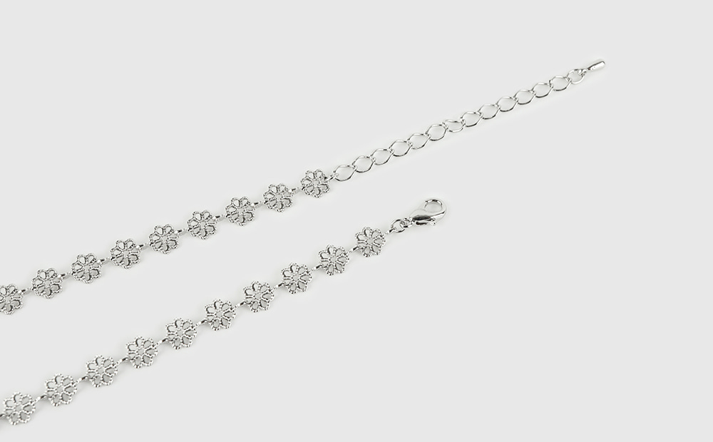 Discover Flower Necklace
