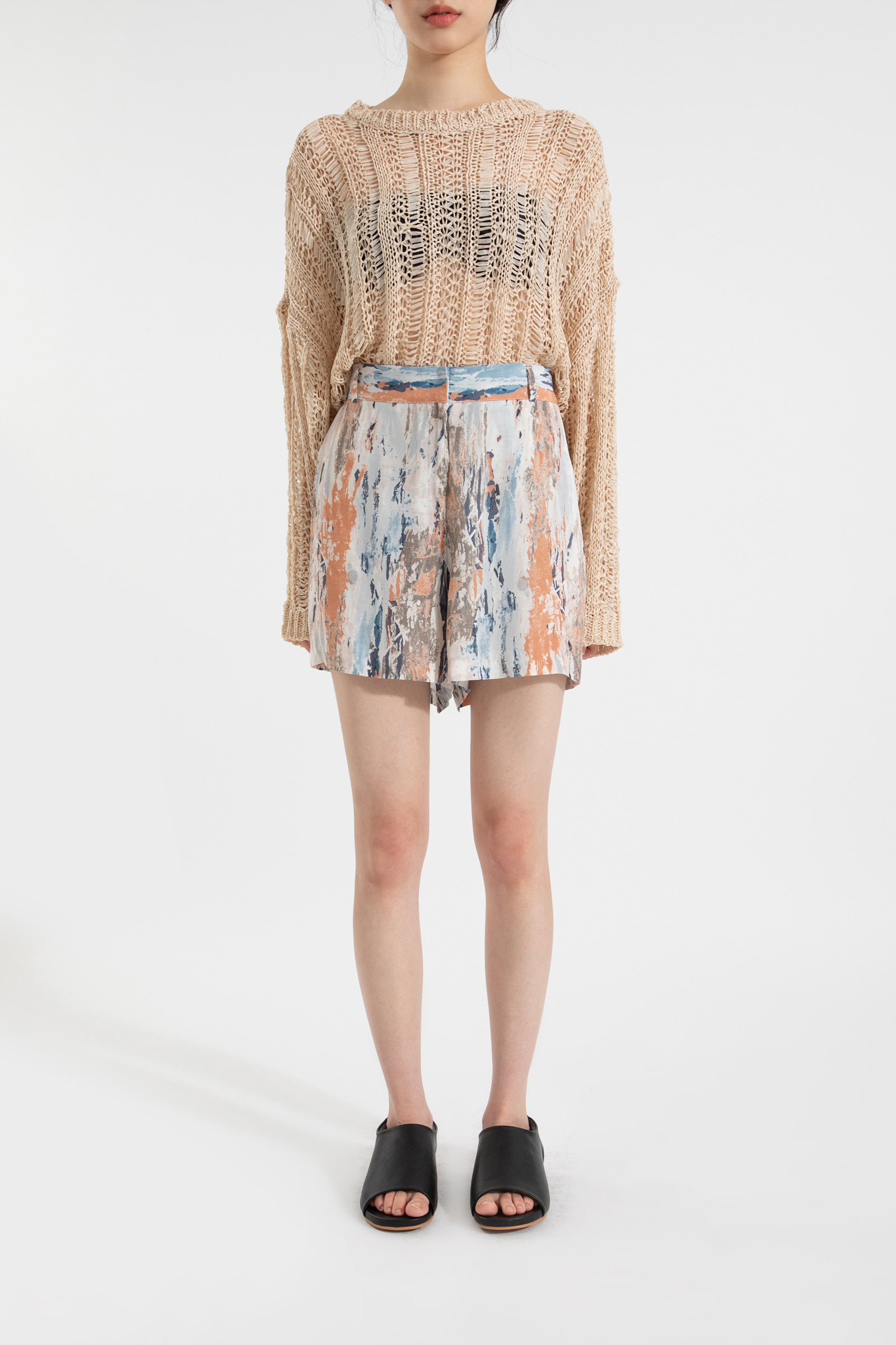 Summer drawing pattern shorts