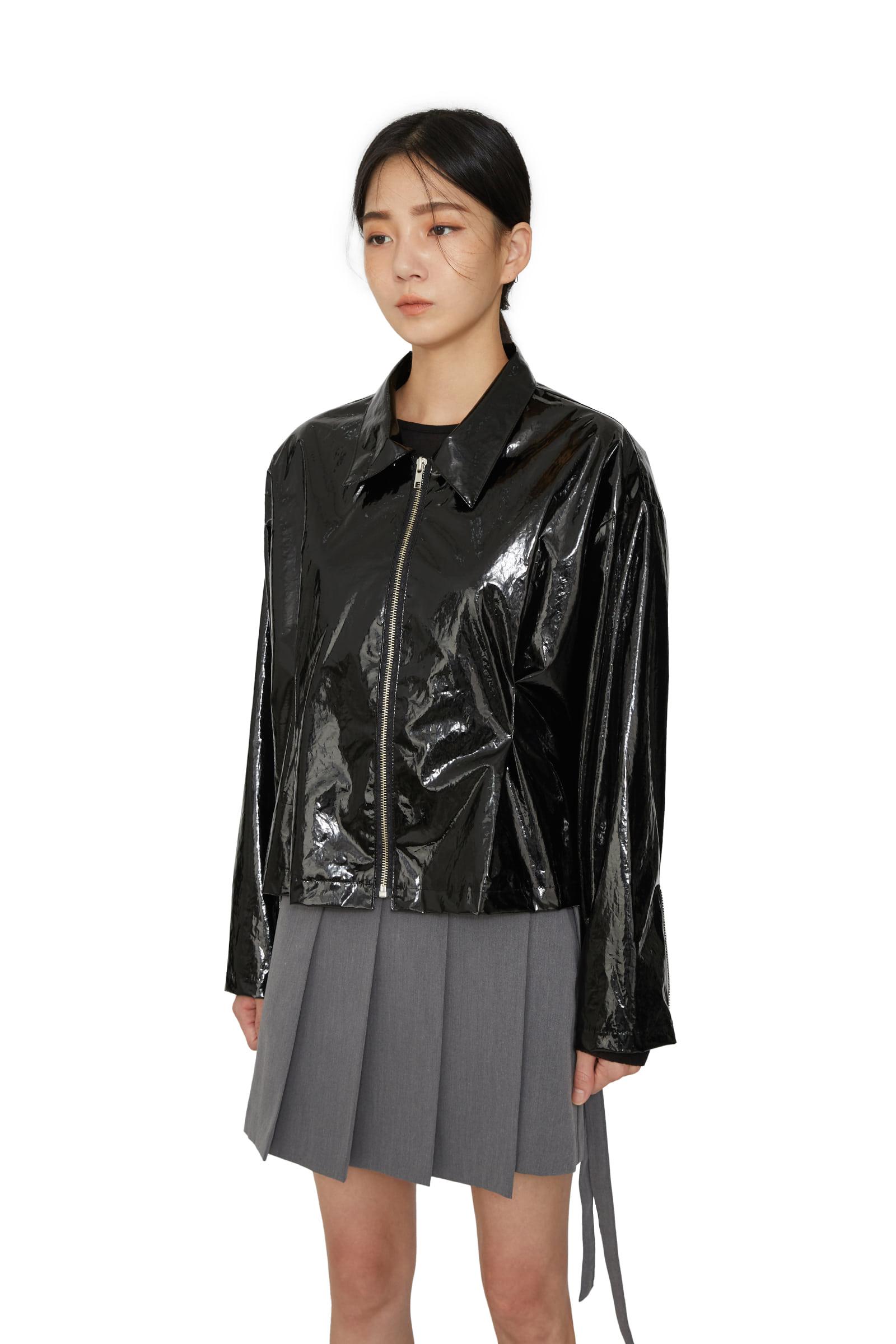 Glossy enamel pintuck jacket