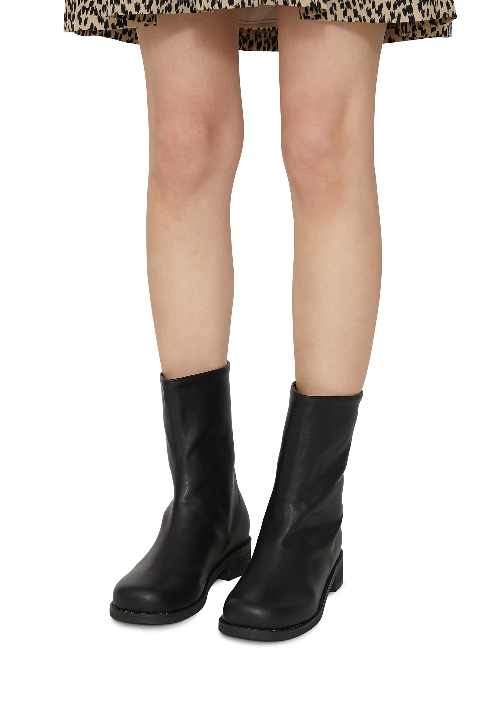 Smore back point ankle boots