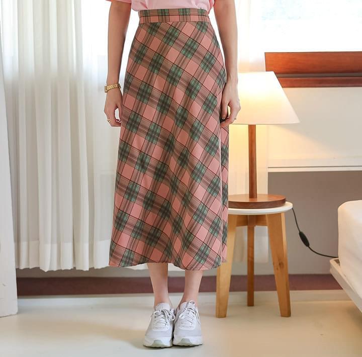 チェック柄Aラインロングスカート