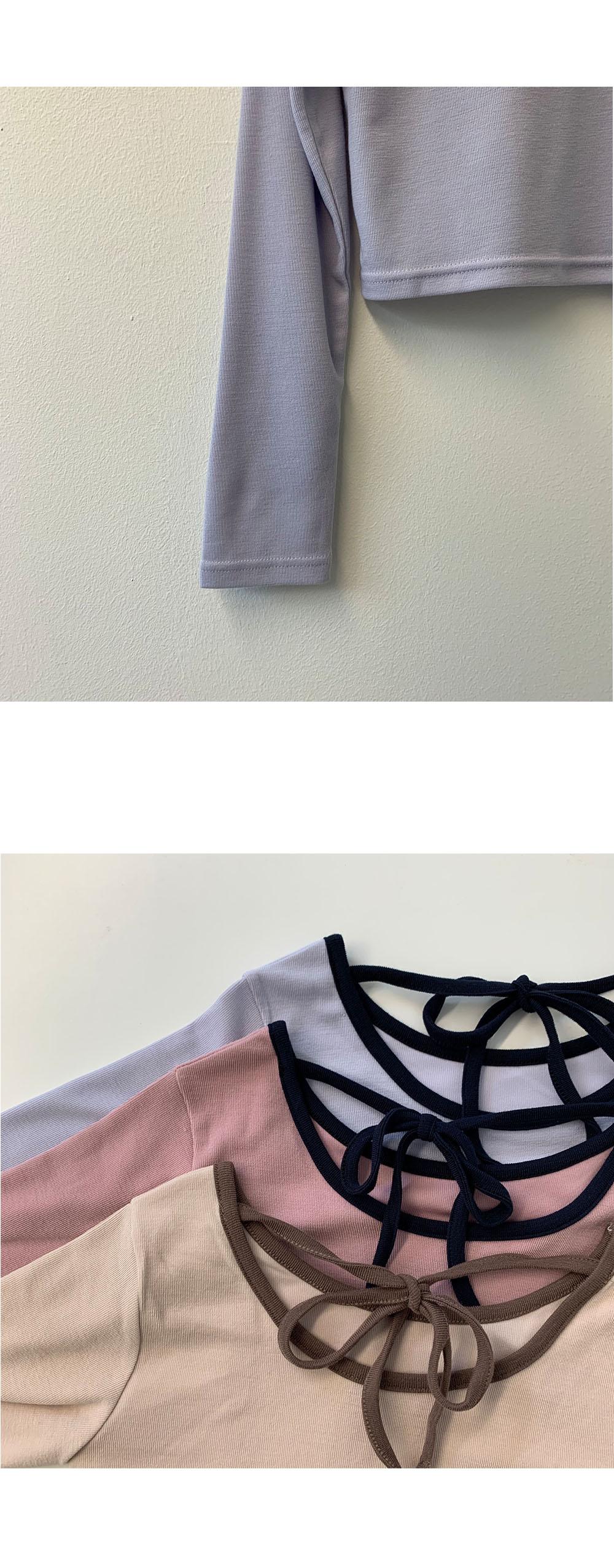 Back ribbon line cropped T-shirt