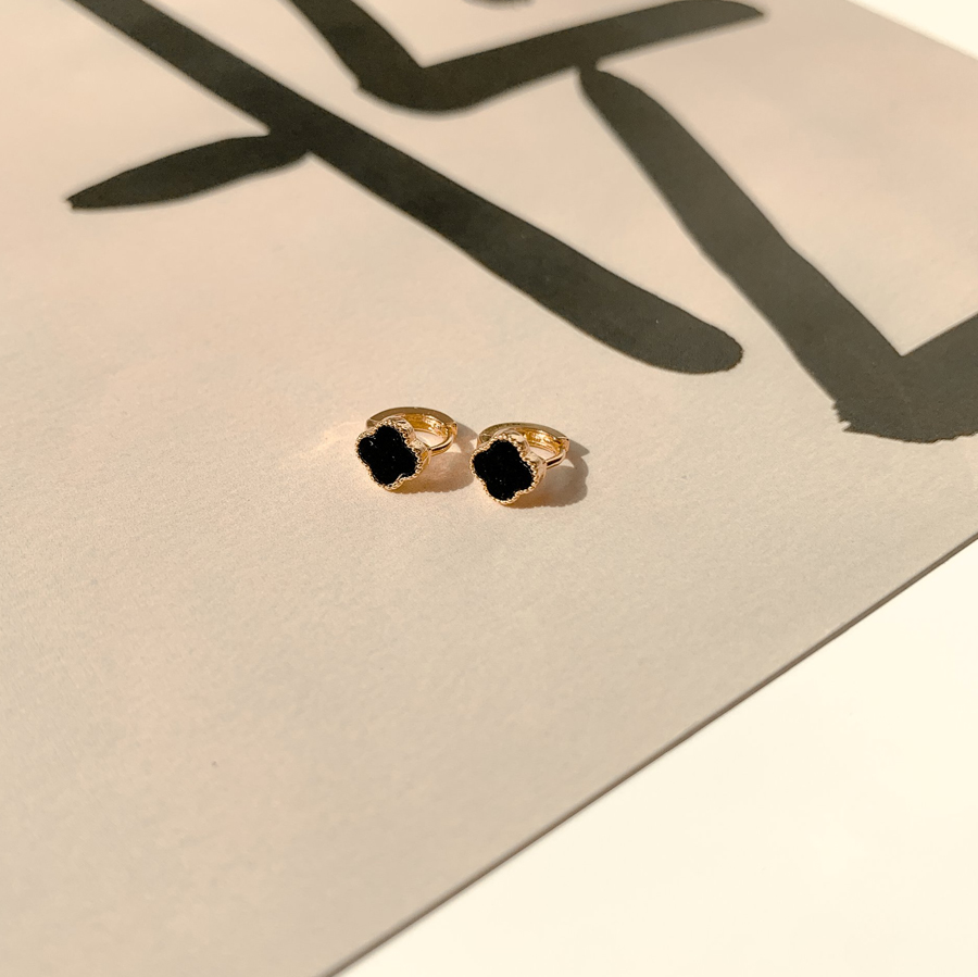 Mini clover one-touch ring earrings