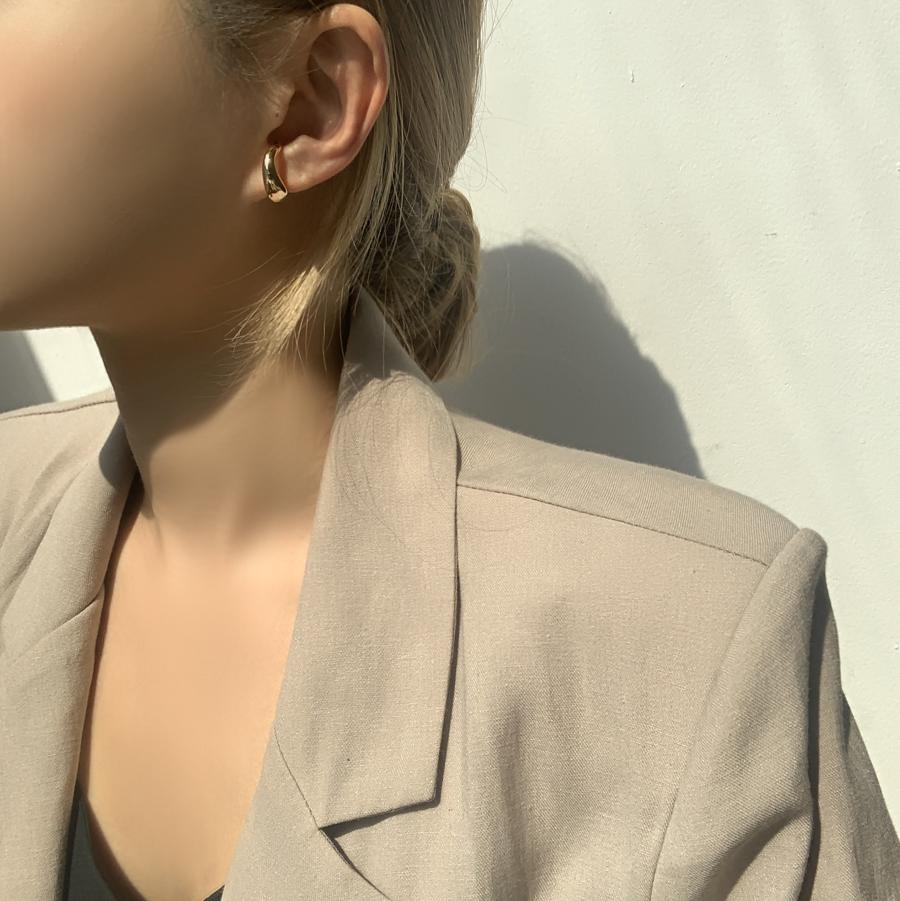 Bold curve ring ear cuffs